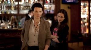 Juliette Binoche (Maria Enders) and Kristen Stewart (Valentine) in Olivier Assayas' CLOUDS OF SILS MARIA.  © Carole Bethuel / CG Cinema.  A Sundance Selects Release.